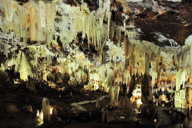Cuevas del Aguila (Cuevas y Grutas preciosas por España)