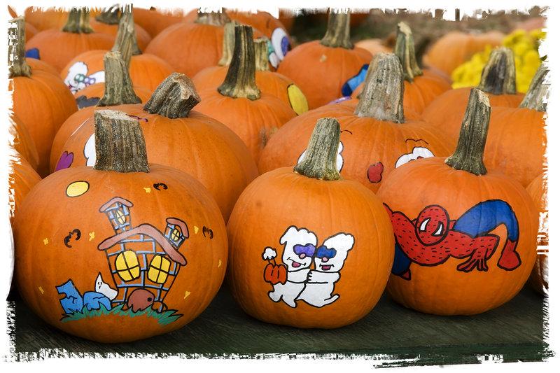 Calabazas de Halloween infantiles pintadas a mano