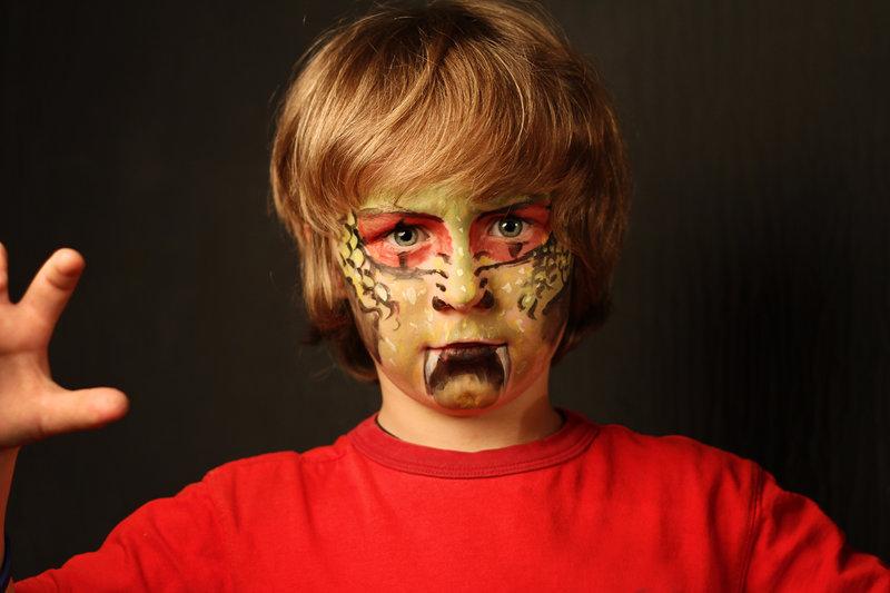 Maquillaje de serpiente para niño, Supertribus
