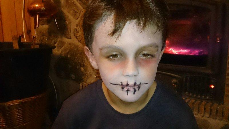 Maquillaje de Zombie para Niño: Halloween para Supertribus