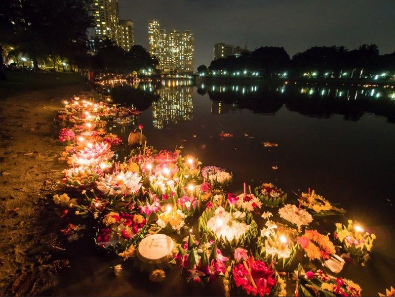 Loi Krhatong: Festival de Luces Flotantes de Tailandia
