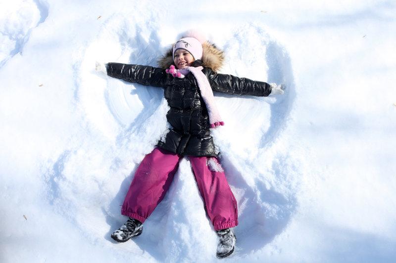 Hacer ángeles de nieve