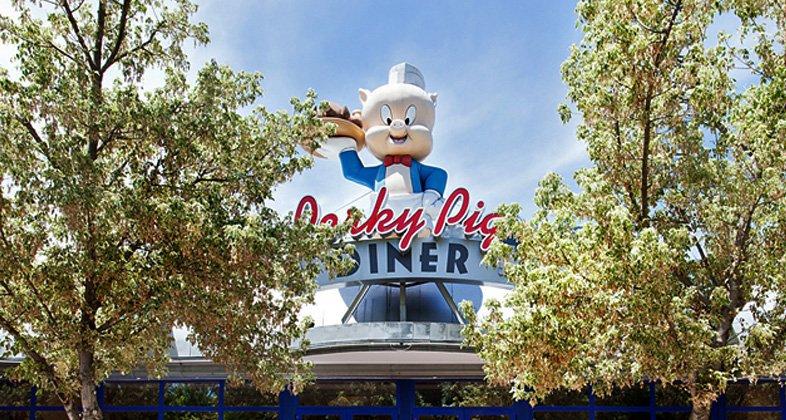 Restaurante Porky Pig Diner en Parque Warner