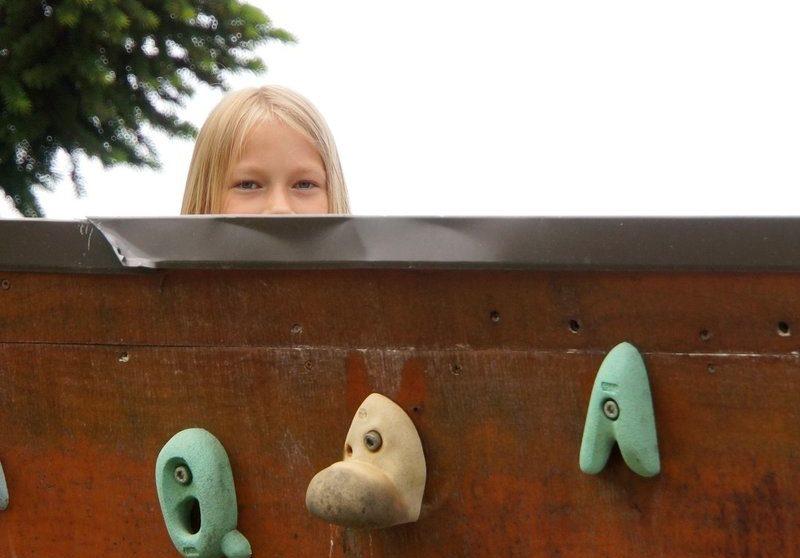 Beneficios de la escalada en Rocódromos Gratuitos con Niños Supertribus
