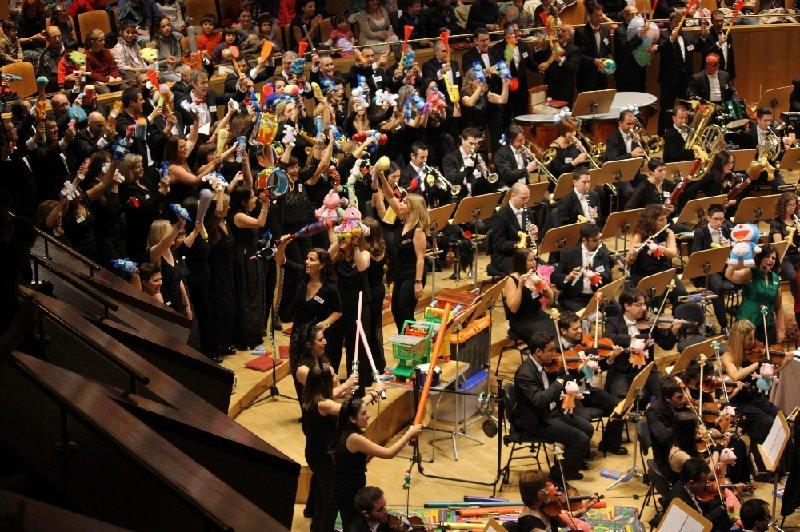 Concierto para Familias Divertido y Especial Música y Juguetes con el Grupo Talía