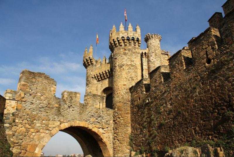 Castillo de Ponferrada o Castillo de los Templarios en Supertribus
