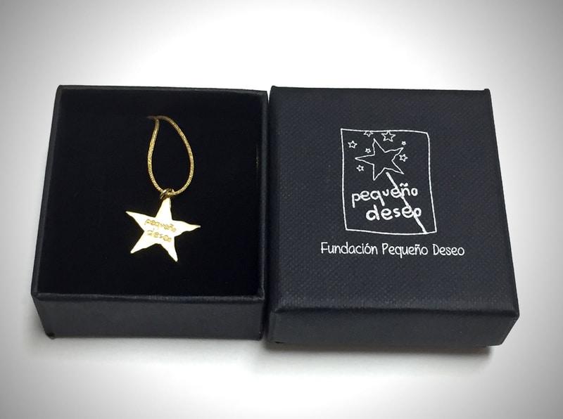 Colgante Estrella de la Fundación Pequeño Deseo en Supertribus